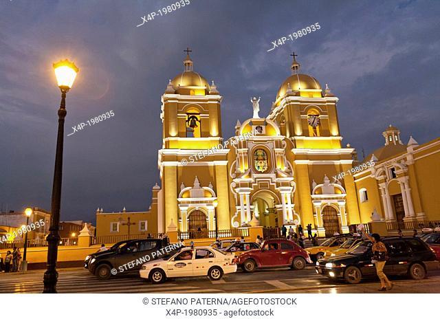 Catedral, Cathedral, Plaza Mayor, Trujillo, Peru