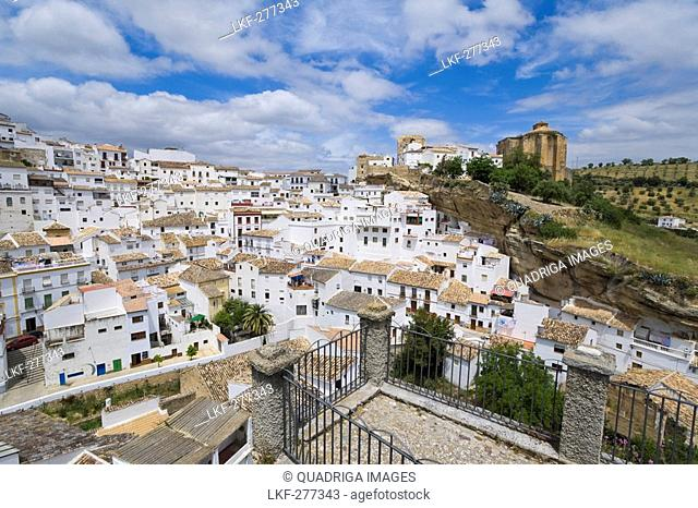 Setenil de las Bodegas, white mountain village with cave houses, Province Malaga, Andalucia, Spain
