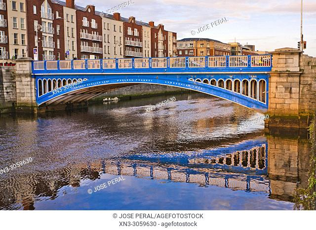 Rory O'More Bridge, River Liffe, Dublin city, province of Leinster, Ireland, Europe