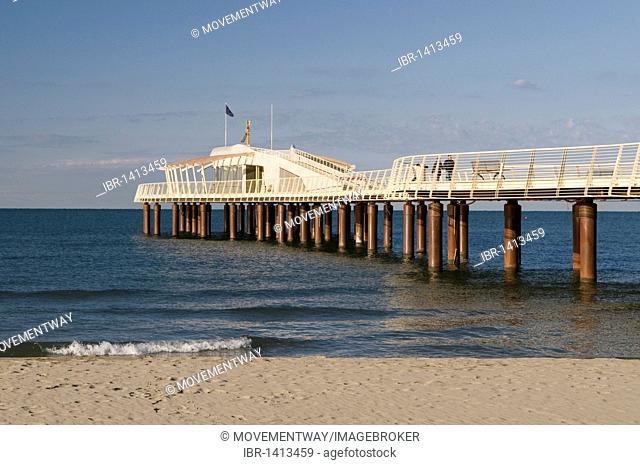 Pier in the seaside resort Lido di Camaicre, Versilia, Riviera, Tuscany, Italy, Europe