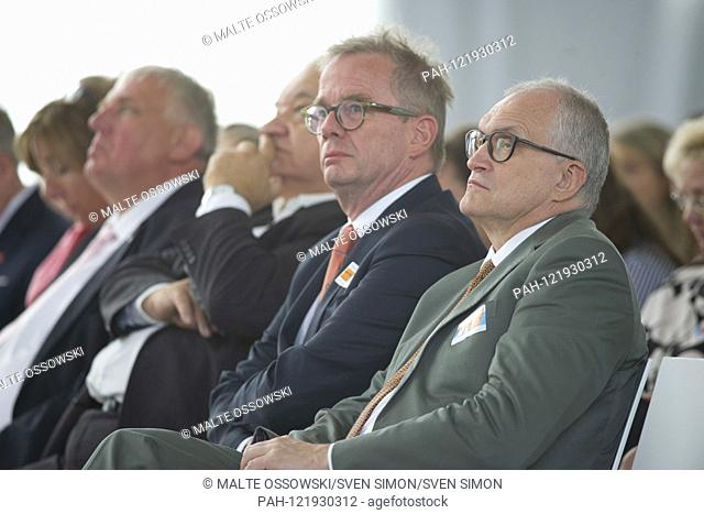 from left: Karl-Josef LAUMANN, Minister of Labor, Health and Social Affairs of the State of North Rhine-Westphalia, xxxx, Prof