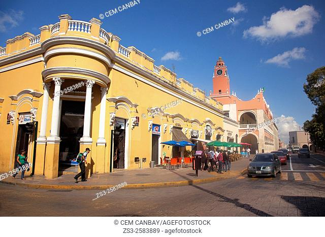 Colonial buildings and Palacio Municipal and Ayuntamiento-Town Hall in Zocalo at the historic center, Merida, Yucatan Province, Mexico, Central America