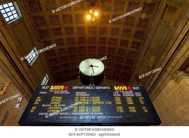 Toronto Union Station train schedule board