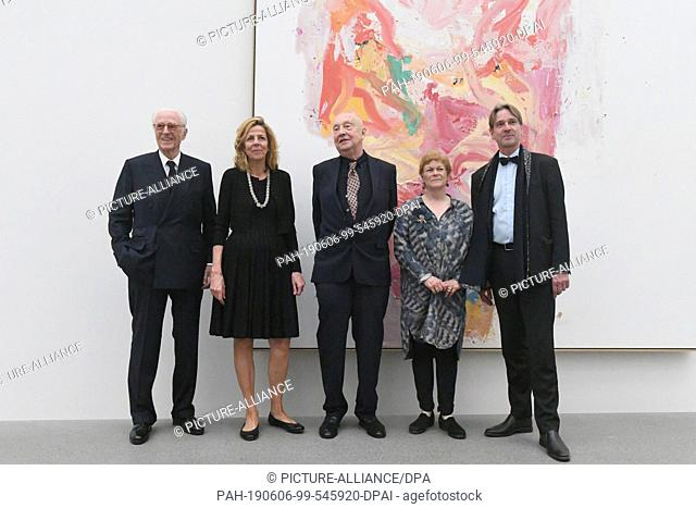 06 June 2019, Bavaria, Munich: Duke Franz of Bavaria (l-r), the curator Corinna Thierolf, the artist Georg Baselitz, the art historian Carla Schulz-Hoffmann and...