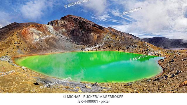 Green sulphurous Emerald Lakes and volcanio Mt Tongariro, Tongariro National Park, Manawatu-Wanganui, North Island, New Zealand