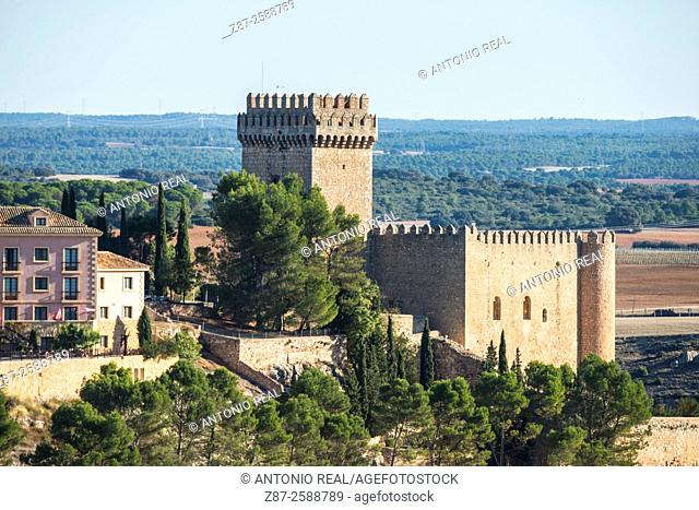 Castle and Parador Nacional (state-run hotel). Alarcon, Cuenca province, Spain